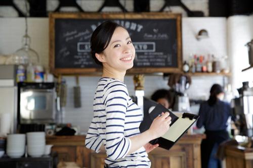 『カフェ』と『喫茶店』の違いはメニューにある?